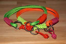 Halsbänder aus Tau in knalligen Farben