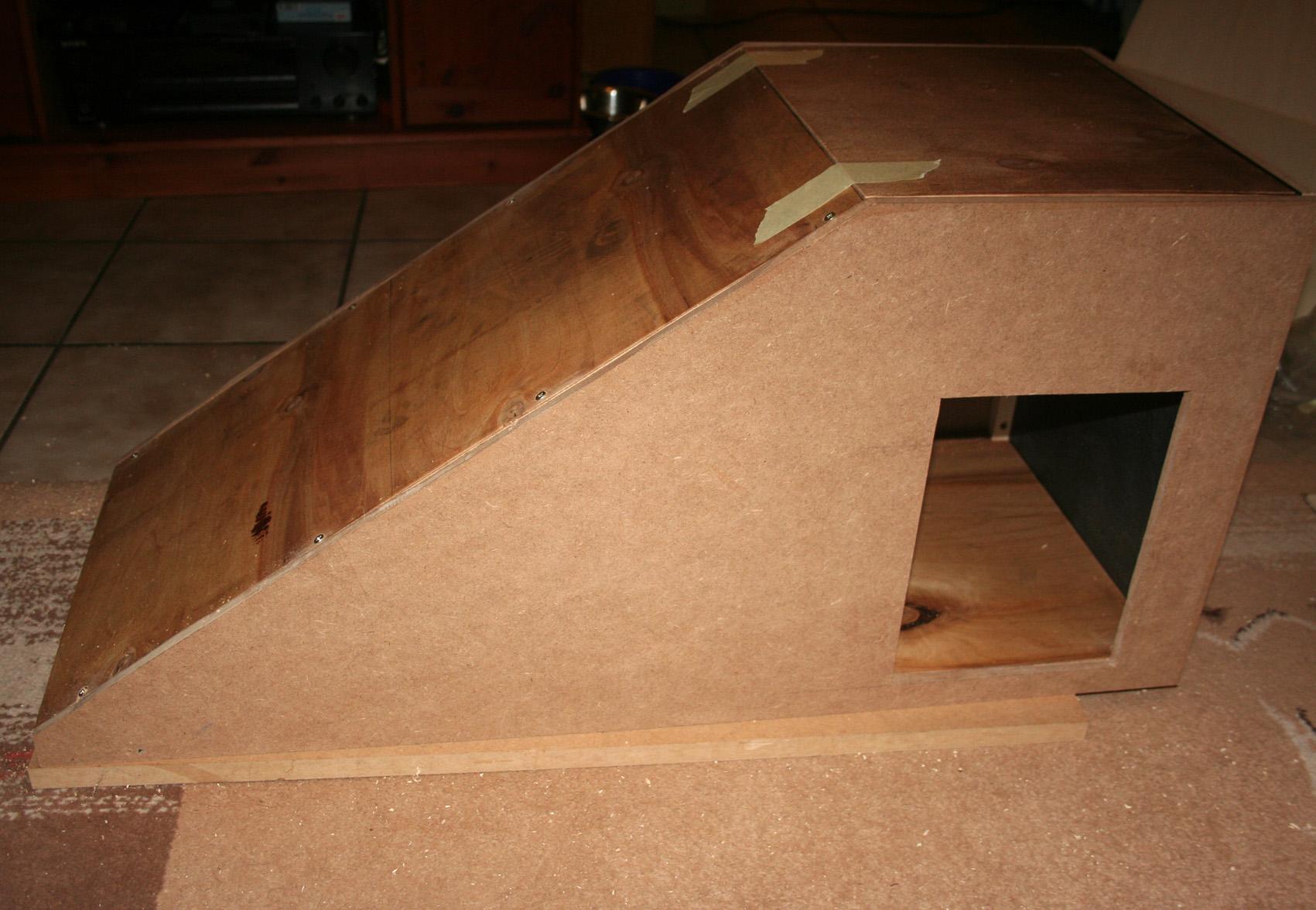 rampe f r couch oder bett mit h hle von livvy. Black Bedroom Furniture Sets. Home Design Ideas