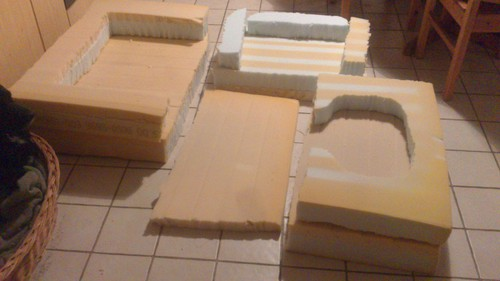 hundebetten aus schaumstoff von kiraballou. Black Bedroom Furniture Sets. Home Design Ideas